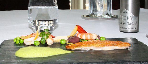 Recette santé à l'eau Vichy Célestins : filet de rouget, petits pois frais