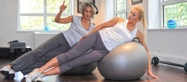 Exercice de la méthode Pilates - Vichy Spa Hôtel Les Célestins