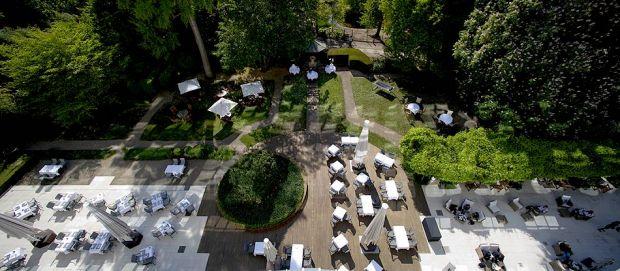 Terrasses des restaurants de l'Hôtel Les Célestins 5*, à Vichy.