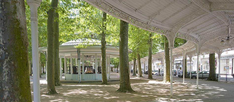 Départ des visites guidées proposées par l'Office de tourisme de Vichy !