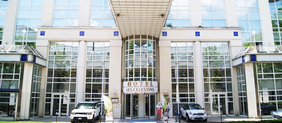 À votre service - Service du Vichy Hôtel Les Célestins 5 étoiles