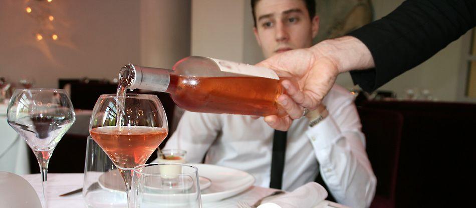 Vin d'été (vin rosé) servi au restaurant Saveurs Plaisir et Santé aux Célestins.