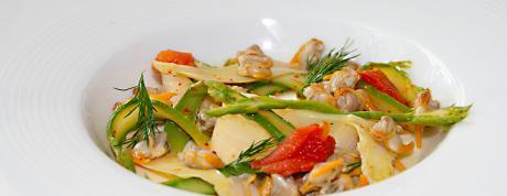 Recette santé à l'eau Vichy Célestins : panna cotta, asperges, coques...